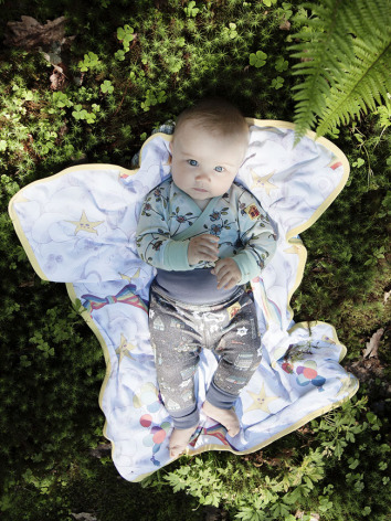 Modeerska Huset Baby Blanket Love Tiles/Starry Sky